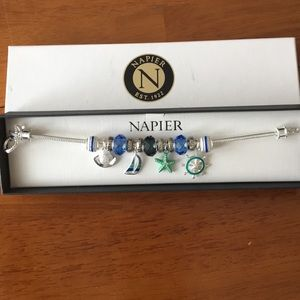 🌸 3 for $9 Napier nautical themed silver bracelet
